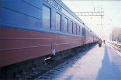 シベリア鉄道途中の駅にて