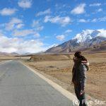 チベットは青い国。中国は白黒の国。すっかり染まってまいりました
