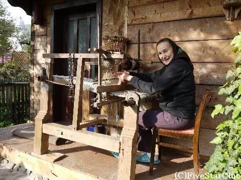 おばあちゃんの機織り ~ル~マニア~