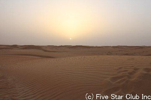 ドバイで砂まみれ。-砂ニモマケズ風ニモマケズ-