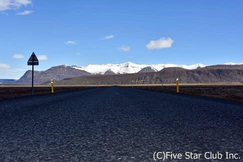 南北アイスランド約1600kmをレンタカーで疾走!秘湯にうっとり、ポロリはなしよ。