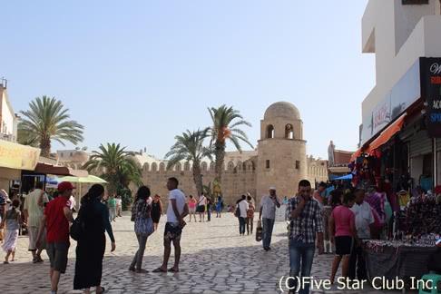 地中海の青、チュニジアンブルー、どこまでも続く青い空 ~鮮やかなチュニジアの風景を追いかける旅~