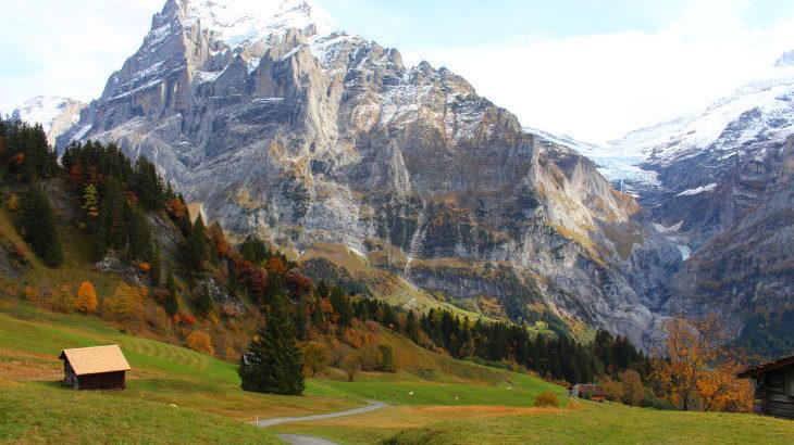 アルプスの名峰と秋色のスイスに染まる旅 —ユングフラウ地方とルツェルンへー
